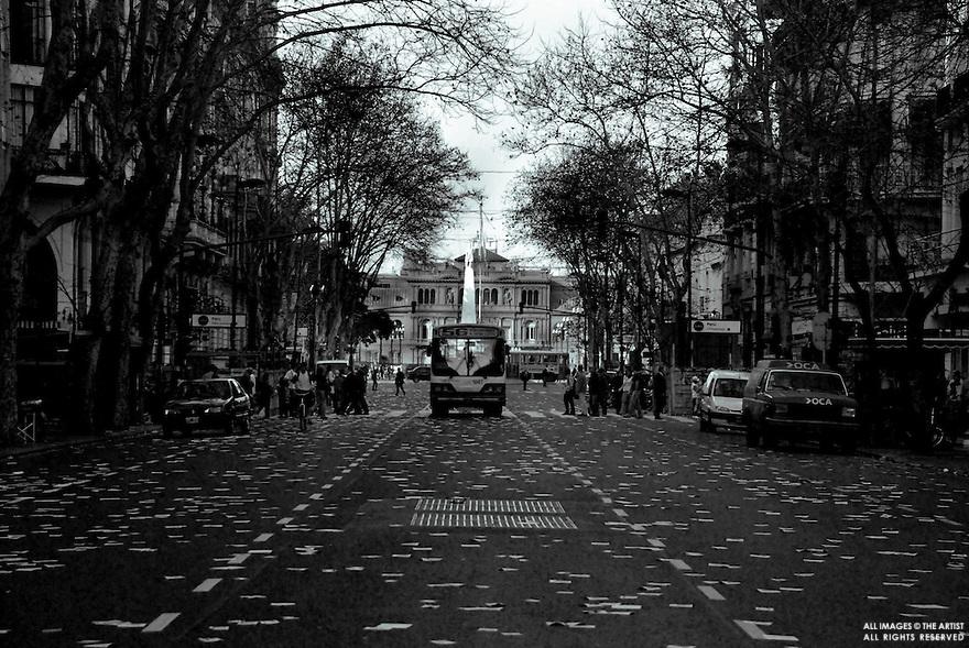 Buenos Aires- Julho de 2008.Bairro:Centro..Avenida suja após manifestação