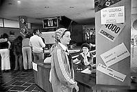 - la fabbrica di orologi LIP occupata e autogestita dai lavoratori, ufficio di vendita al pubblico (Besan&ccedil;on, luglio 1977)<br /> <br /> - the LIP clocks factory  self-managed by workers, retail office (Besan&ccedil;on, July 1977)