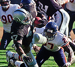 Oakland Raiders vs. Chicago Bears at Oakland Alameda County Coliseum Sunday, September 26, 1999.  Raiders bet Bears  24-17.  Oakland Raiders running back Tyrone Wheatley (47) pull away from Chicago Bears defensive back Walt Harris (27).