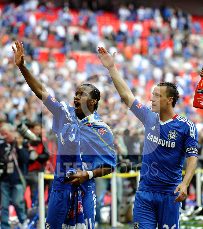 15.05.2010, Wembley Stadium, London, ENG, FA Cup Finale, Chelsea FC vs Portsmouth FC, im Bild Didier Drogba and John Terry of Chelsea celebrates at the end of the game. EXPA Pictures © 2010, PhotoCredit: EXPA/ IPS/ Sean Ryan