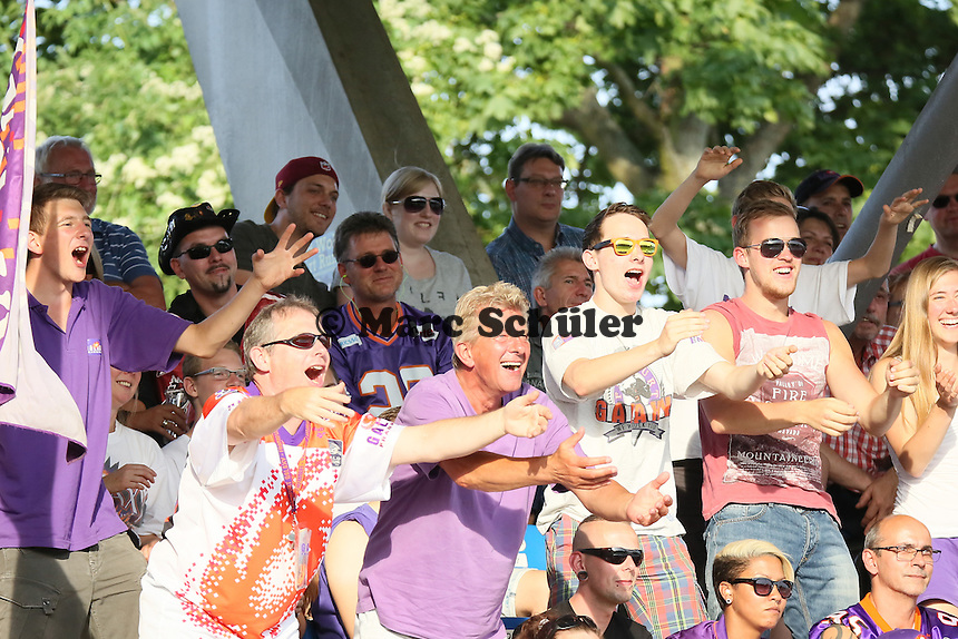 Fans der Frankfurt Galaxy begeistert - Frankfurt Galaxy vs Wiesbaden Phantoms, Frankfurter Volksbank Stadion