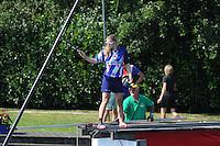 FIERLJEPPEN: VLIST: 22-08-2015, NK Fierljeppen/Polstokverspringen, Marrit vd Wal, ©foto Martin de Jong