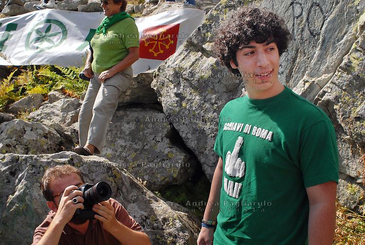 Italia, Pian Del Re (CN)  12/09/08.Renzo Bossi durante la manifestazione della Lega Nord alla sorgente del fiume Po al Monviso.##### .Italy, Pian Del Re (CN)   12/09/08.Renzo Bossi during a demonstration of Lega Nord party at the source of Po river