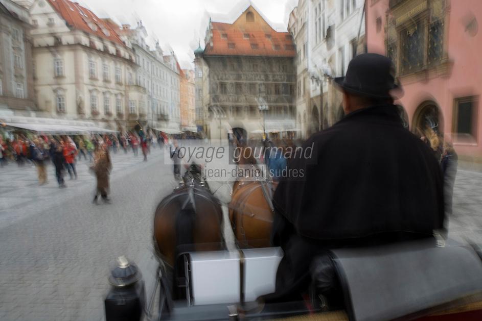 Europe/République Tchèque/Prague:Excursion  en Fiacre   Place de la vieille ville