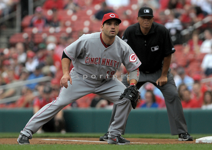 Cincinnati Reds Joey Votto (19) during a game against the St. Louis Cardinals on April 10, 2013 at Busch Stadium in St. Louis, MO. The Cardinals beat the Reds 10-0...
