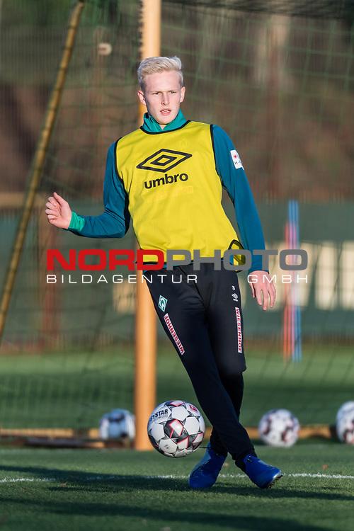04.12.2018, Trainingsgelaende am Weserstadion, Bremen, GER, 1.FBL, Training SV Werder Bremen<br /> <br /> im Bild <br /> Julian Rieckmann (Werder Bremen II #21), <br /> <br /> Foto © nordphoto / Ewert