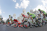 Alberto Contador (c) in the peloton during the stage of La Vuelta 2012 beetwen Cercedilla and Madrid.September 9,2012. (ALTERPHOTOS/Paola Otero)