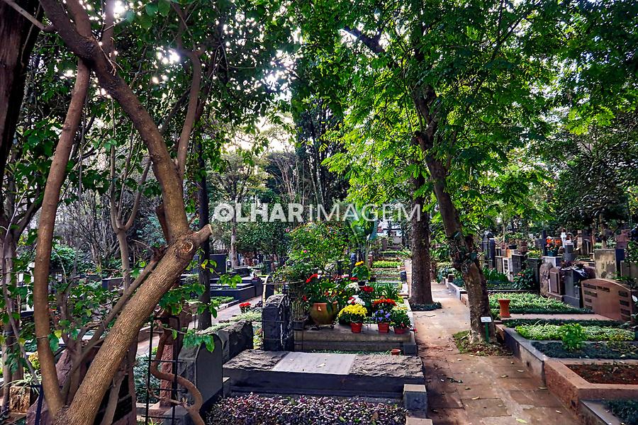 Cemiterio do Redentor, avenida Dr. Arnaldo, Sao Paulo. 2019. Foto Juca Martins.