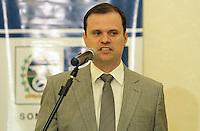 RIO DE JANEIRO, RJ, 02 SETEMBRO 2013 - GOVERNADOR SERGIO CABRAL RECEBE DIRIGENTES DE CLUBES -  O Secretario de esportes Andre Lazaroni concede uma entrevista coletiva apos a reunião do governador Sergio Cabral com os presidente dos 4 grandes do Rio de Janeiro para dialogar sobre o modelo de gestão do Complexo Esportivo Maracanã, no Palácio Guanabara nessa segunda 02  . (FOTO: LEVY RIBEIRO / BRAiZIL PHOTO PRESS)