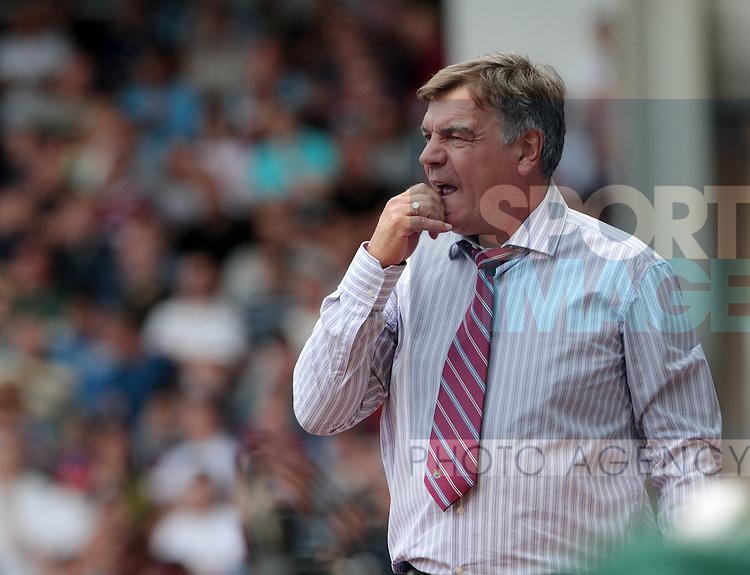 West Hams Sam Allardyce looks on dejected