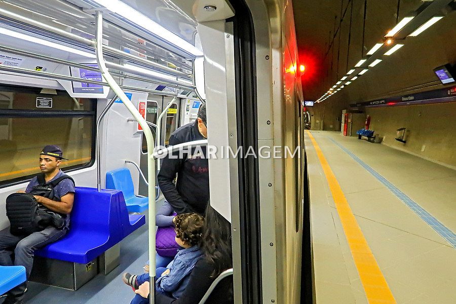 Transporte de passageiros no Metro, Sao Paulo. 2018. Foto Juca Martins