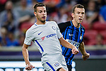 FC Internazionale Forward Ivan Perisic (R) fights for position with Chelsea Defender Cesar Azpilicueta (L) during the International Champions Cup 2017 match between FC Internazionale and Chelsea FC on July 29, 2017 in Singapore. Photo by Marcio Rodrigo Machado / Power Sport Images