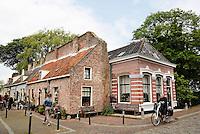 Huizen gebouwd tegen de oude vestingmuur