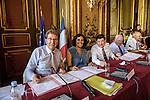 Signature du contrat de ville de Marseille en présence de Myriam EL KHOMRI, secrétaire d'Etat chargée de la politique de la Ville, Patrick  KANNER, ministre de la Ville, de la Jeunesse, et des Sports, et Guy TEISSIER, président de la communauté urbaine Marseille Provence Métropole  -  17 juillet 2015 - Préfecture des Bouches-du-Rhône - Marseille