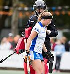 UTRECHT - Marieke van der Vis (Kampong) met keeper Alexandra Heerbaart (Kampong)  tijdens de hockey hoofdklasse competitiewedstrijd dames:  Kampong-Laren . COPYRIGHT KOEN SUYK