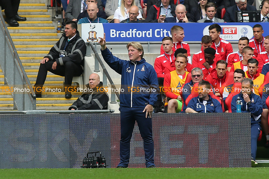 Bradford City Manager, Stuart McCall during Bradford City vs Millwall, Sky Bet EFL League 1 Play-Off Final at Wembley Stadium on 20th May 2017