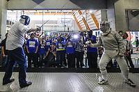 SAO PAULO, SP, 30 JUNHO 2012 - GILBERTO KASSAB NA VIRADA ESPORTIVA 2012 - O prefeito de Sao Paulo Gilberto Kassab (PSB) luta esgrima durante visita das atividades da Virada Esportiva 2012  no CEU Água Azul na Cidade Tiradentes na Zona Leste de Sao Paulo, neste sabado, 30. (FOTO: WILLIAM VOLCOV / BRAZIL PHOTO PRESS)