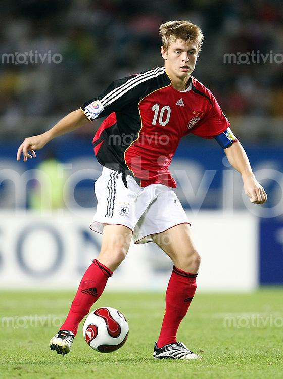 12. FIFA U17 Weltmeisterschaft in Korea    Viertelfinale England - Deutschland England vs. Germany Toni KROOS (GER), Einzelaktion am Ball.