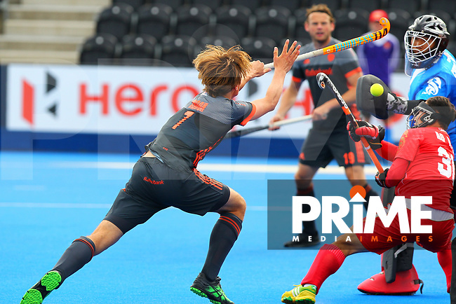 Jorrit Croon of the Netherlands in action during the Hockey World League Quarter-Final match between Netherlands and China at the Olympic Park, London, England on 22 June 2017. Photo by Steve McCarthy.<br /> <br /> Netherlands v China at the Olympic Park, London, England on 22 June 2017. Photo by Steve McCarthy.