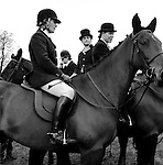 The Duke of Beaufort Hunt...The traditional Boxing Day Meet is held at Worcester Lodge, on the Badminton estate. It is usual for several hundred mounted followers and an equal number of foot followers to attend along with a TV crew or two, as well as a number of freelance photographers. Near Didmarton, Gloucestershire 2002...Hunting with Hounds / Mansion Editions (isbn 0-9542233-1-4) copyright Homer Sykes. +44 (0) 20-8542-7083. < www.mansioneditions.com >.
