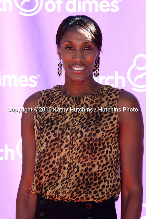LOS ANGELES - NOV 13:  Lisa Leslie arrives at the 5th March of Dimes Celebration of Babies Luncheon at Four Seasons Hotel on November 13, 2010 in Los Angeles, CA