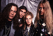 ALICE IN CHAINS (1990)
