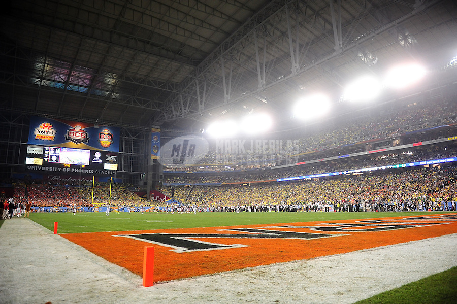 Jan 10, 2011; Glendale, AZ, USA; Overall view during the game between the Auburn Tigers against the Oregon Ducks in the 2011 BCS National Championship game at University of Phoenix Stadium. The Tigers defeated the Ducks 22-19. Mandatory Credit: Mark J. Rebilas-