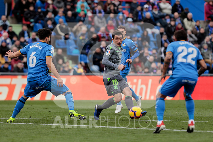 Getafe CF's Leandro Cabrera and Real Sociedad's Mikel Oyarzabal during La Liga match between Getafe CF and Real Sociedad at Coliseum Alfonso Perez in Getafe, Spain. December 15, 2018. (ALTERPHOTOS/A. Perez Meca)