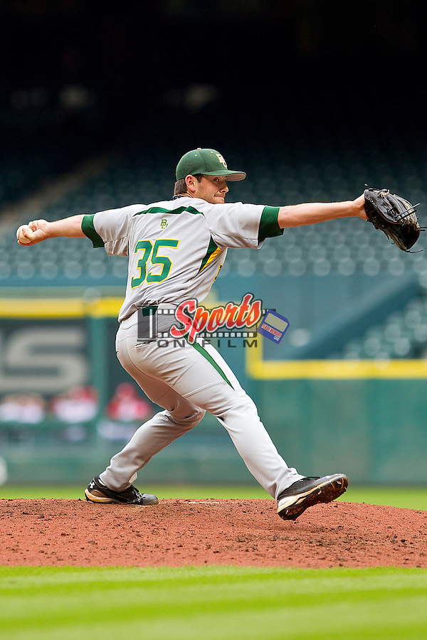 Relief pitcher Crayton Bare #35 of the Baylor Bears in action against the Houston Cougars at Minute Maid Park on March 4, 2011 in Houston, Texas.  Photo by Brian Westerholt / Four Seam Images