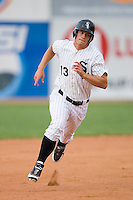 Brady Shoemaker #13 of the Bristol Sox hustles towards third base at DeVault Memorial Stadium June 26, 2009 in Bristol, Virginia. (Photo by Brian Westerholt / Four Seam Images)
