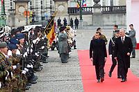 Le Président français Emmanuel Macron et Brigitte Macron, accueillis par le roi Philippe de Belgique et la reine Mathilde de Belgique, au palais royal de Bruxelles, lors d'une visite d'état en Belgique.<br /> Belgique, Bruxelles, 19 novembre 2018.<br /> French President Emmanuel Macron and wife Brigitte Macron meet with King Philippe of Belgium and Queen Mathilde of Belgium, at thé Royal Palace, during a State Visit to Belgium.<br /> Belgium, Brussels, 19 November 2018.