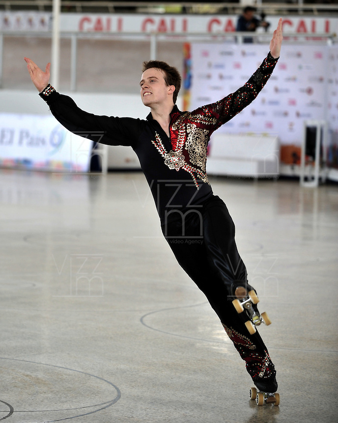 CALI - COLOMBIA - 19 - 09 - 2015: William Andrewartha, deportista de Australia, durante la prueba de Solo Danza Obligatorias Juvenil Varones, en el LX Campeonato Mundial de Patinaje Artistico, en el Velodromo Alcides Nieto Patiño de la ciudad de Cali. / William Andrewartha, sportman of Australia, during the Compulsory Solo Dance Junior Men test, in the LX World Championships  Figure Skating, at the Alcides Nieto Patiño Velodrome in Cali City. Photo: VizzorImage / Luis Ramirez / Staff.