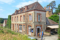 France, Indre(36), le Berry, vallée de la Creuse, Gargilesse-Dampierre, labellisé Les Plus Beaux Villages de France, hôtel-restaurant George Sand qui existe depuis 1910 // France, Indre, Berry region, Creuse Valley, Gargilesse Dampierre, labelled Les Plus Beaux Villages de France (The Most Beautiful Villages of France), George Sand hotel restaurant that exists since 1910