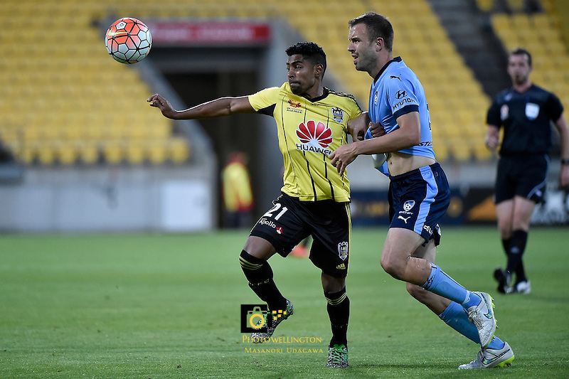 Wellington Phoenix&rsquo; Roy Krishna and Sydney Matthew Jurman in action during the A League - Wellington Phoenix v Sydney FC at Westpac Stadium, Wellington, New Zealand on Saturday 19 December 2015.<br /> Photo by Masanori Udagawa. <br /> www.photowellington.photoshelter.com.