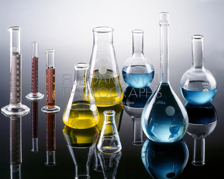 LABGLASS: VOLUMETRIC<br /> Kimax &amp; Pyrex Borosilicate Glass.