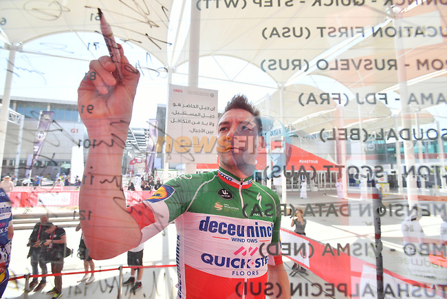 Italian National Champion Elia Viviani (ITA) Deceuninck-Quick Step signs on before the start of Stage 3 of the 2019 UAE Tour, running 179km form Al Ain to Jebel Hafeet, Abu Dhabi, United Arab Emirates. 26th February 2019.<br /> Picture: LaPresse/Massimo Paolone   Cyclefile<br /> <br /> <br /> All photos usage must carry mandatory copyright credit (© Cyclefile   LaPresse/Massimo Paolone)