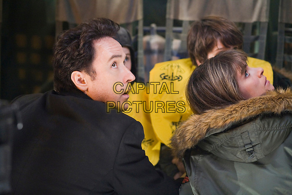 John Cusack, Amanda Peet.2012 (20009) Columbia Pictures .*Filmstill - Editorial Use Only*.CAP/FB.Supplied by Capital Pictures.