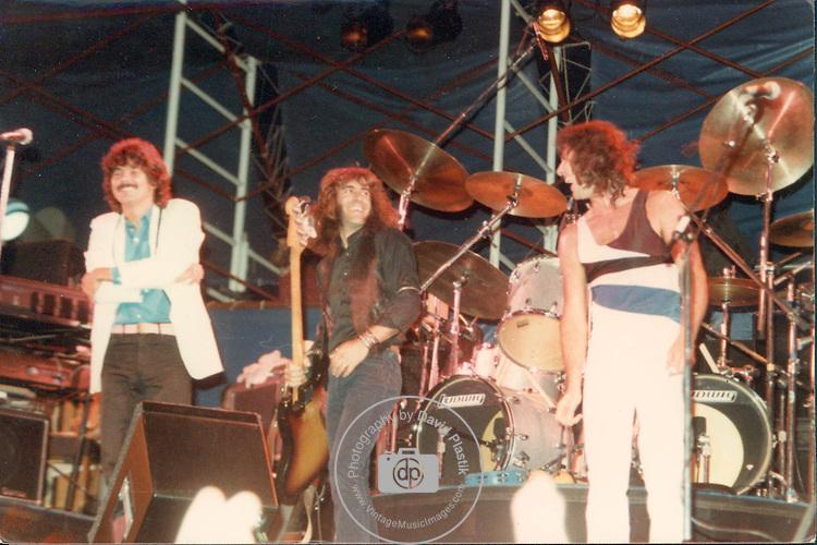 Jefferson Starship,Mickey Thomas, Pete Sears,  Aynsley Dunbar
