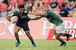 Vilimoni Koro of New Zealand (left) and Zain Davids of South Africa (right) compete for the ball during the match South Africa vs New Zealand, Day 2 of the HSBC Singapore Rugby Sevens as part of the World Rugby HSBC World Rugby Sevens Series 2016-17 at the National Stadium on 16 April 2017 in Singapore. Photo by Victor Fraile / Power Sport Images