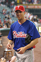 Phillies pitcher Brad Lidge signs autographs on Friday May 23rd at Minute Maid Park in Houston, Texas. Photo by Andrew Woolley / Four Seam Images...