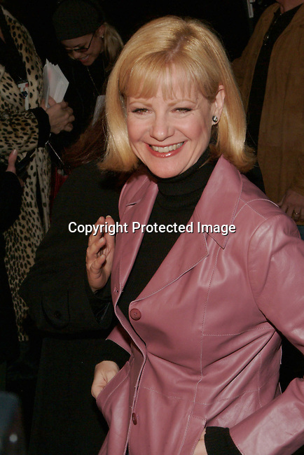 Bonnie Hunt<br />&quot;Cheaper by the Dozen&quot; Film Premiere - Los Angeles<br />Mann's Grauman's Chinese Theatre<br />Hollywood, CA, USA<br />Sunday, December 14, 2003<br />Photo By Celebrityvibe.com/Photovibe.com