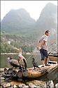 2006- Chine- Port de Xingping, pêcheur au cormoran.