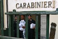 Napoli : operazione congiunte dei carabinieri e della polizia ,che ha portato all'arresto di oltre 100 esponenti del clan degli scissionisti di scampia, facenti capo a raffaele amato , arrestato domenica scorsa in spagna   nella foto uno degli arrestati