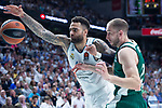 Real Madrid Jeffery Taylor and Panathinaikos Matt Lojeski during Turkish Airlines Euroleague Quarter Finals 4th match between Real Madrid and Panathinaikos at Wizink Center in Madrid, Spain. April 27, 2018. (ALTERPHOTOS/Borja B.Hojas)