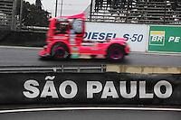 SAO PAULO, SP, 08/07/2012,  F. TRUCK,  A 5 Etapa da F. Truck deve acontecer com chuva neste Domingo  (8), hoje pela manha os pilotos fizer um Warm Map. Na foto o caminhao da Debora Rodrigues.  Luiz Guarnieri/ Brazil Photo, press