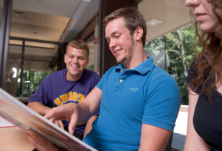 18322OU Chillicothe Campus ...Andrew Leachman(blue), Marke Shifko(purple) & Linda Osborn