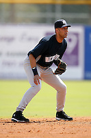 February 25, 2009:  Shortstop Derek Jeter (2) of the New York Yankees during a Spring Training game at Dunedin Stadium in Dunedin, FL.  The New York Yankees defeated the Toronto Blue Jays 6-1.   Photo by:  Mike Janes/Four Seam Images