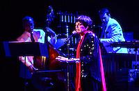 ATENCAO EDITOR: FOTO EMBARGADA PARA VEICULOS INTERNACIONAIS. -RIO DE JANEIRO,RJ,29 DE SETEMBRO 2012 - SHOW DA LIZA MINNELLI-  A cantora Liza Minnelli se apresentou na noite deste sabado, 29 de setembro, no Citibank Hall, na Barra da Tijuca,zona oeste  do Rio de Janeiro. (Rio de Janeiro).(FOTO: MARCELO FONSECA / BRAZIL PHOTO PRESS).