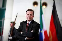 Regierungssprecher Steffen Seibert wartet am Mittwoch (18.01.17) in Berlin auf den italienischen Ministerpr&auml;sidenten.<br /> Foto: Axel Schmidt/CommonLens