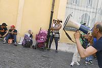Roma, 20 Giugno 2013<br /> In occasione della Giornata Mondiale del Rifugiato centinaia di migranti e richiedenti asilo si sono dati appuntamento insieme all'Unione Sindacale di Base e ai Movimenti per il diritto all'abitare di Roma in piazza di Monte Citorio. <br /> chiedono il diritto d'Asilo e di Residenza
